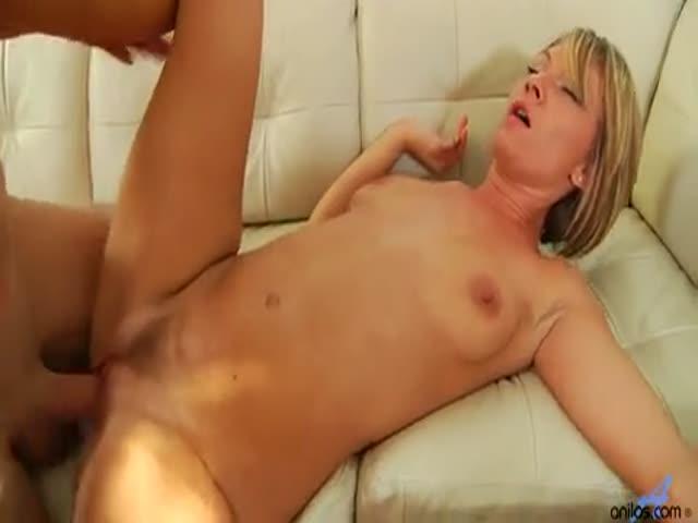 cougar petits seins
